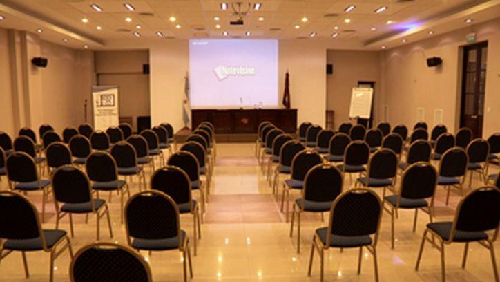 Sala de reuniones 4 copaipa for Sala clamores proximos eventos